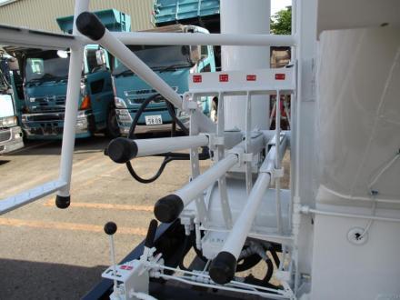 増々トン 飼料運搬車