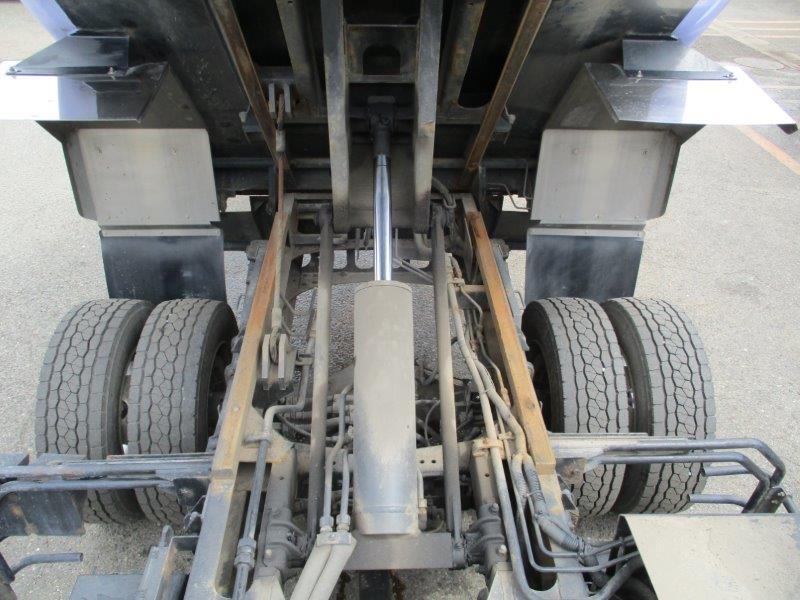 増トン 9.5m3 巻込み式 中型免許対応