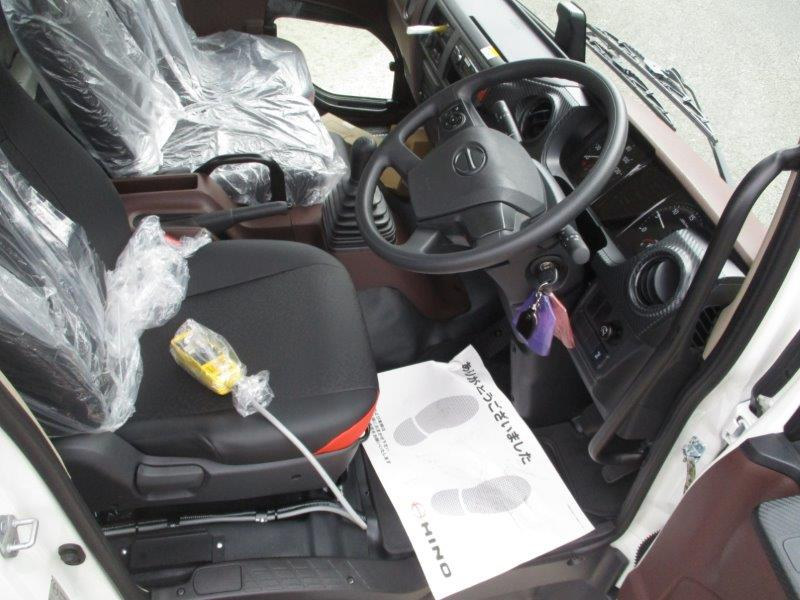 4t アームロール 未使用車