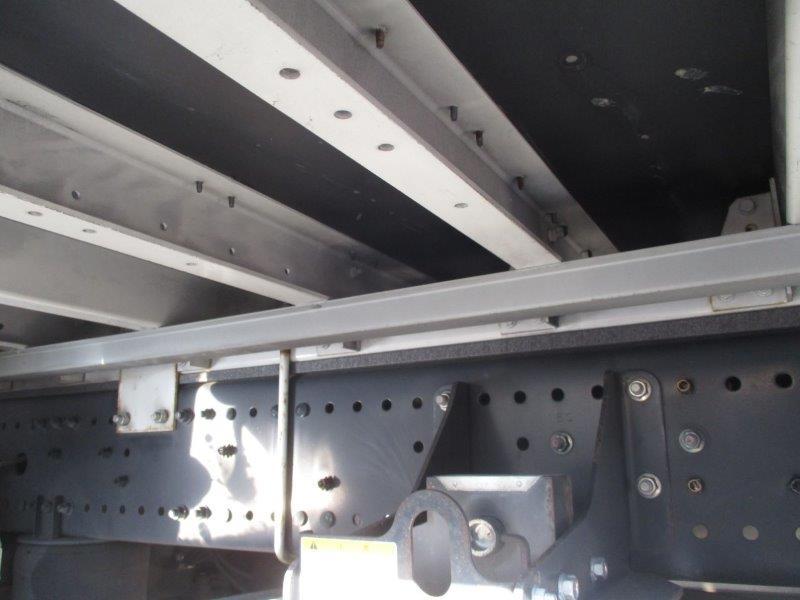 25t仕様 ハイルーフ 4軸低床 リヤエアサス