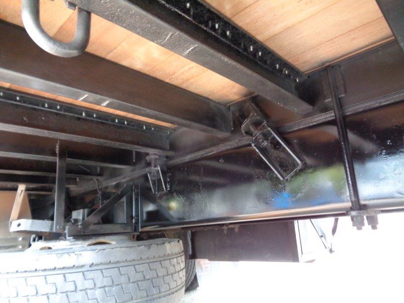 25t仕様 4軸低床 クレーン付平アルミ